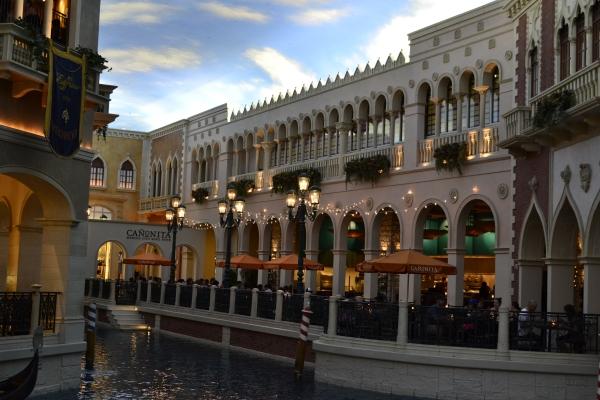 Las Vegas- Venetian - La Parisienne Trotteuse